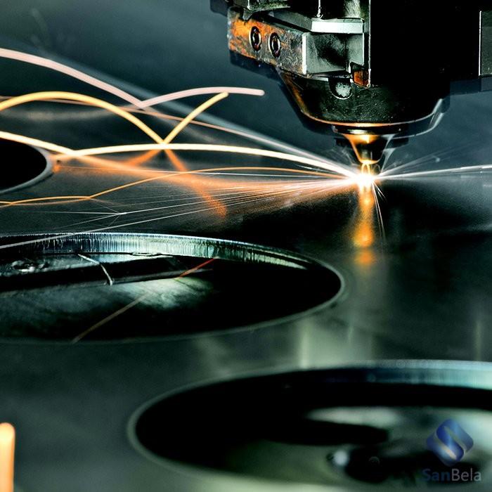 Чистые помещения в оптике и лазерах